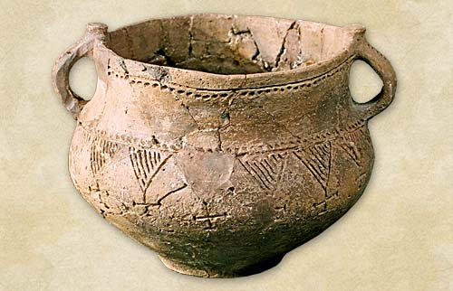8.Vessel with handles, the Komarov culture - Bronze Age